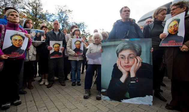 Concentración en recuerdo de la periodista Anna Politkovskaya en Moscú, en octubre de 2012, sexto aniversario...