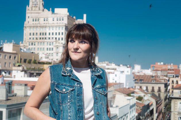 La cantante Rozalén, este 17 de julio en una terraza de