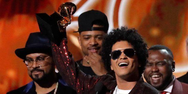 El cantante Bruno Mars, en los premios Grammy este domingo en Nueva