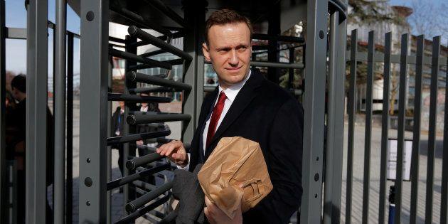 Alexei Navalny sale de la Corte Europea de Derechos Humanos de Estrasburgo, el pasado día 24, tras exponer...