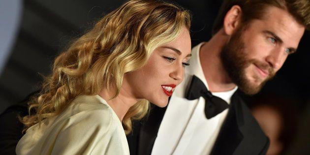 Miley Cyrus y Liam Hemsworth, en los Oscar