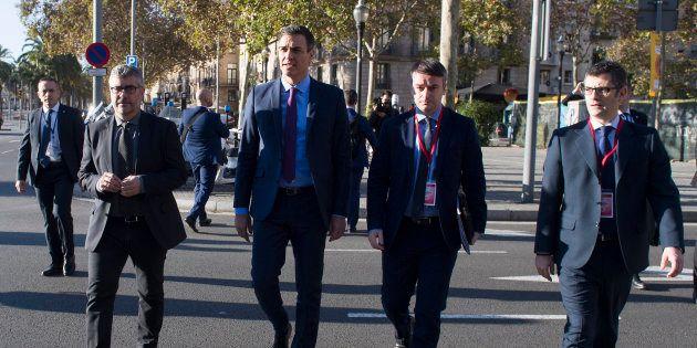 El presidente del Gobierno, Pedro Sánchez, a su llegada a la Llotja de Mar en Barcelona, donde se celebró...