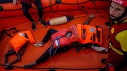Open Arms pide a España permiso para desembarcar a una superviviente y dos muertos de un