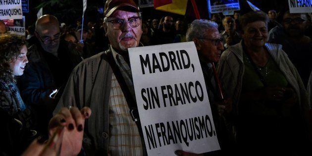 El Gobierno prohibirá la inhumación de Franco en La Almudena por motivos de