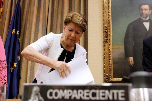 El incomodísimo momento de Magdalena Álvarez con una víctima de