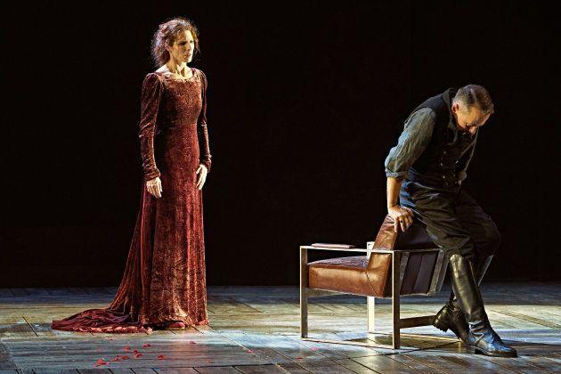 Beatriz Argüello y Rafa Castejón en El castigo sin venganza de Lope de
