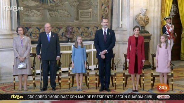 Los vestidos de la princesa Leonor y la infanta Sofía en la entrega del Toisón de
