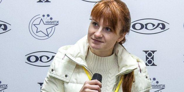 Mariia Butina, en una rueda de prensa en Moscú, en 2013, como representante de una fundación a favor...