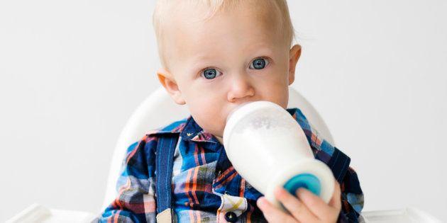 El mensaje de 'Lucía, Mi Pediatra' sobre la leche cruda que deberían leer todos los