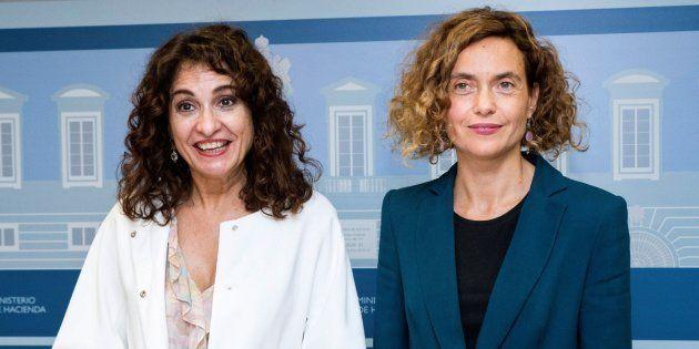 La ministra de Hacienda, María Jesús Montero y la ministra de Política Territorial, Meritxell