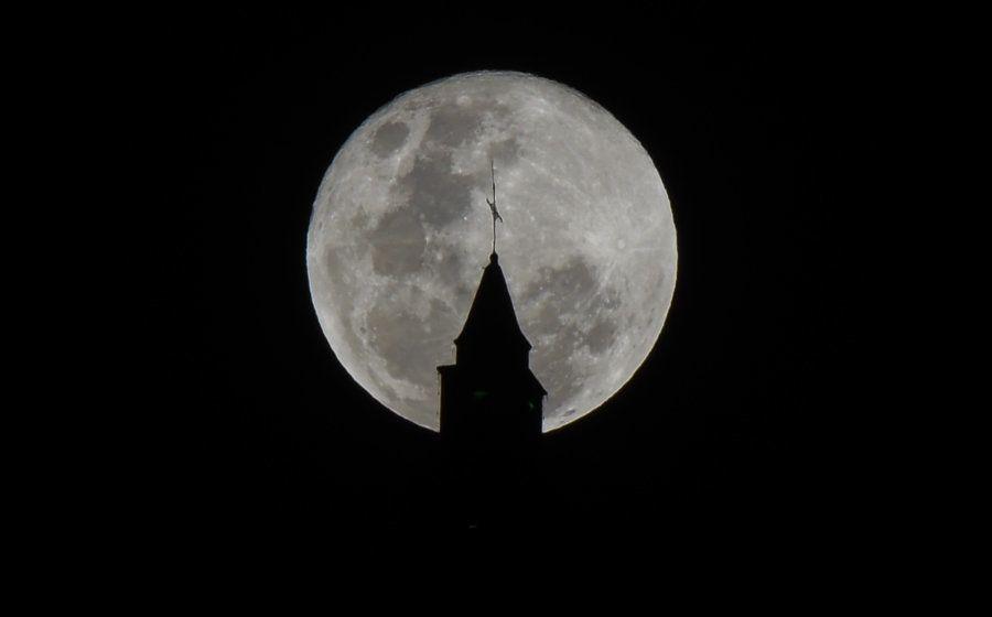 Vista de la superluna en Bogotá