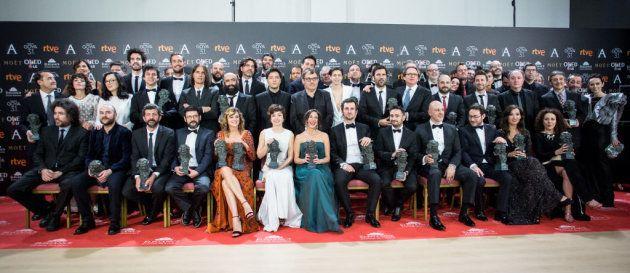Foto de familia de los galardonados en los Goya