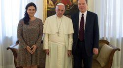 Dimiten el director de Prensa del Vaticano y su 'número dos', la española Paloma García