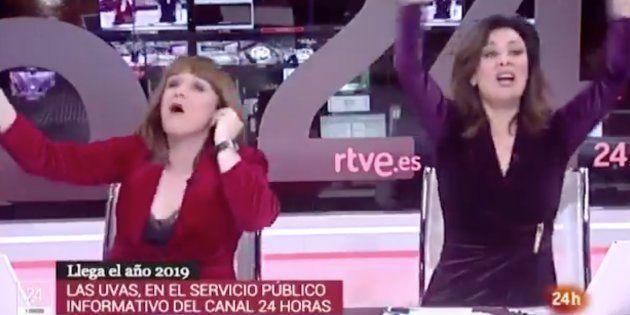 Marta Solano y Beatriz Pérez-Aranda, presentadoras del Canal 24 Horas de TVE, celebran la llegada de