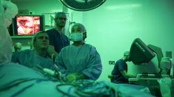 El cáncer empuja cada año a unos 25.000 enfermos hacia la