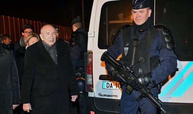 El ministro francés del Interior, Gerard Collomb, visita el lugar de los