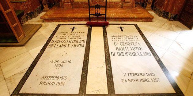 Las tumbas de Gonzalo Queipo de Llano y su esposa, en una pequeña capilla de la basílica
