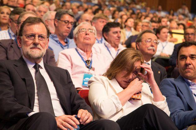 Las lágrimas marianistas (con una guerra 'popular' de