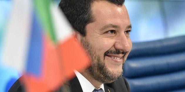 Críticas a 'ABC' por esta entrevista a Matteo Salvini en su revista