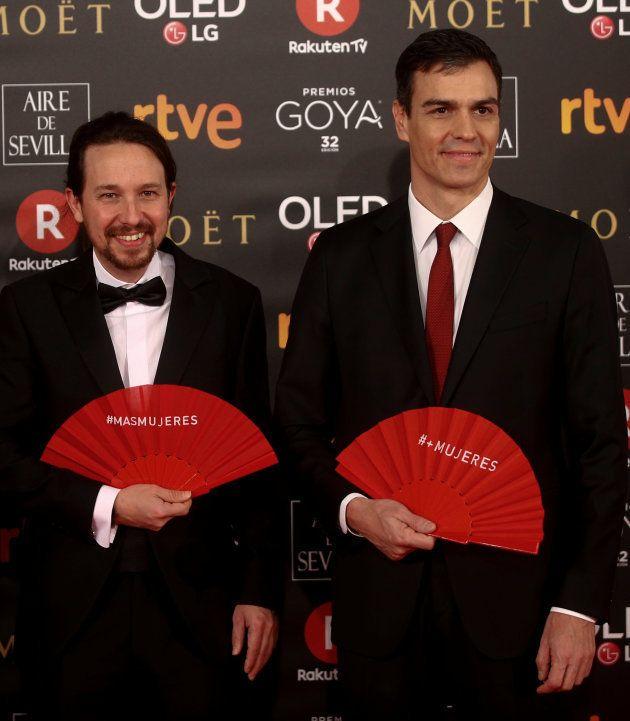 ¿Qué significan los abanicos rojos de los Premios