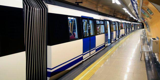 La emotiva historia en el Metro de Madrid que te hará recuperar la fe en el ser