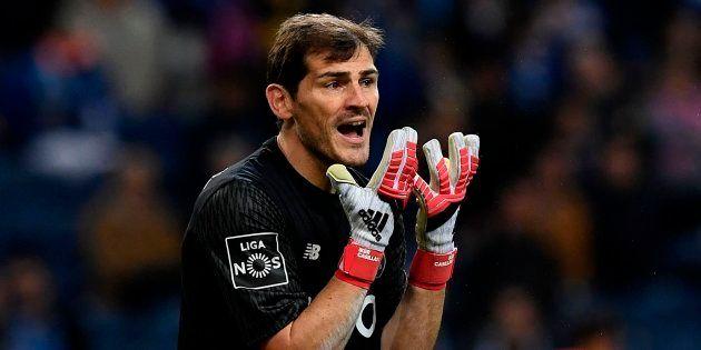 Casillas estalla en Twitter: