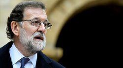 Rajoy felicita a los premiados antes de terminar la gala y Twitter no
