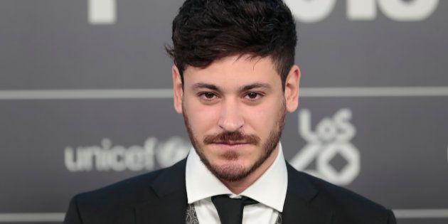 El cantante Luis