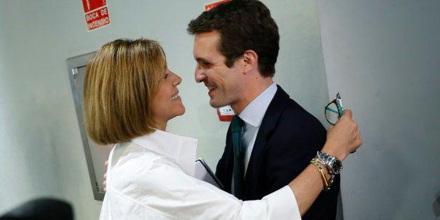 Pablo Casado junto a María Dolores de