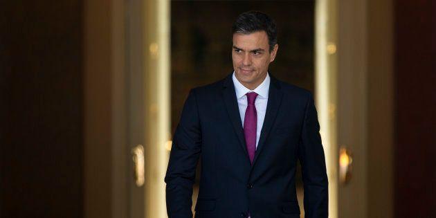 El presidente del Gobierno, Pedro Sanchez, en el palacio de La Moncloa antes de recibir a la presidenta...
