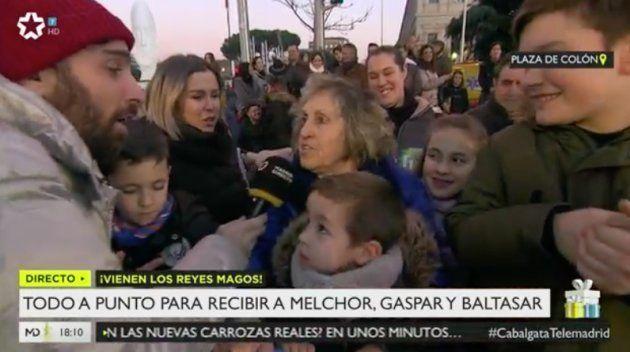 La genial respuesta de un niño a un reportero de Telemadrid en la cabalgata de los Reyes
