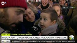 La genial respuesta de este niño a un reportero de Telemadrid durante la cabalgata de Reyes
