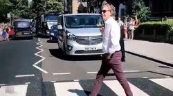 Paul McCartney vuelve a cruzar Abbey Road y los fans