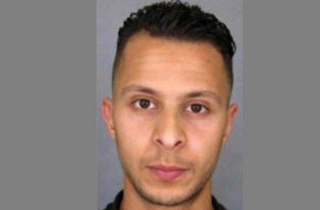 Salah Abdeslam, en la imagen que difundió la Policía tras los atentados de París. Ahora ha aparecido...