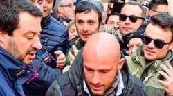 La foto de Salvini que indigna al mundo (una vez