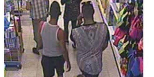 Dos de los sospechosos, grabados por la cámara de seguridad del