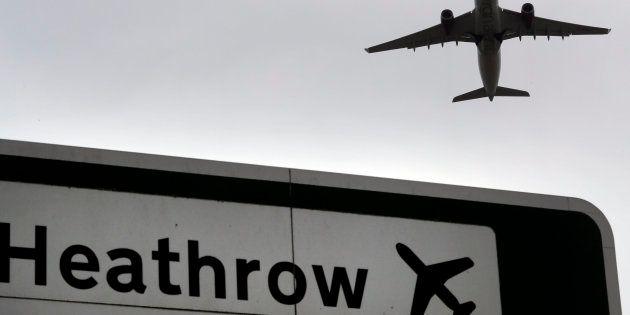 Suspenden las salidas en el aeropuerto de Heathrow por la presencia de