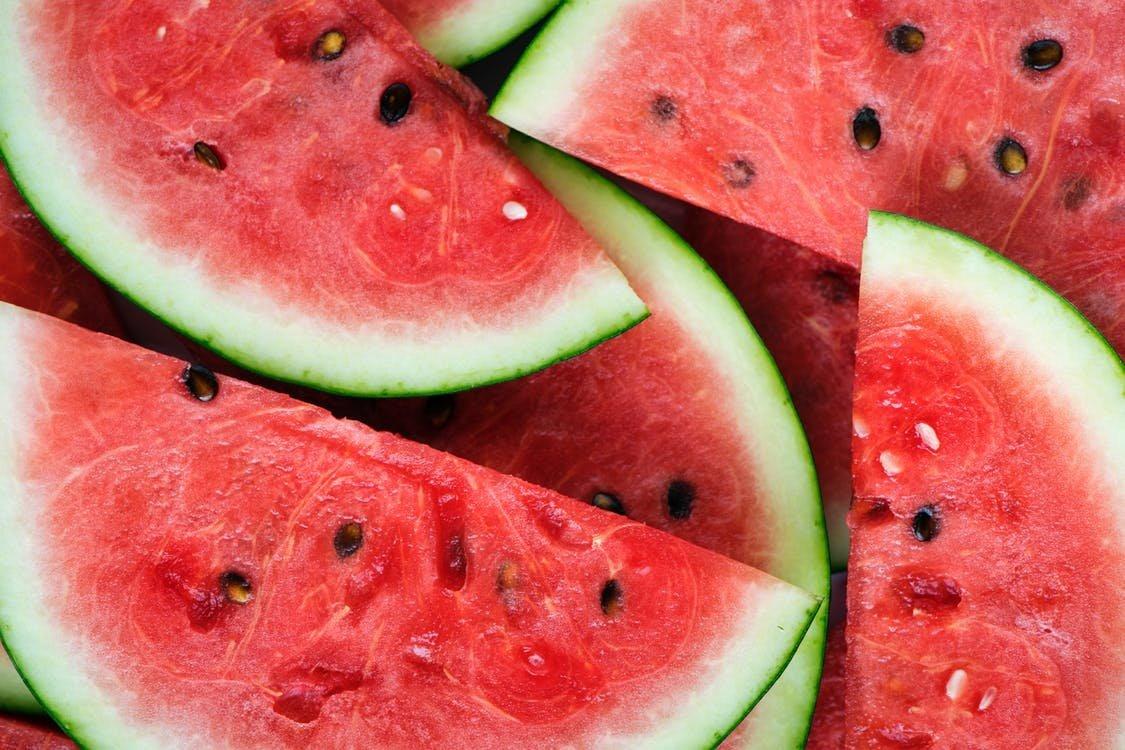 Que tiene mas azucar melon o sandia