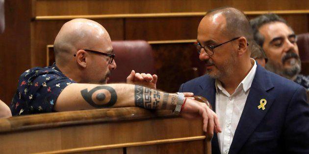 Txema Guijarro (Podemos) y Carles Campuzano (PDeCAT) conversan hoy en el