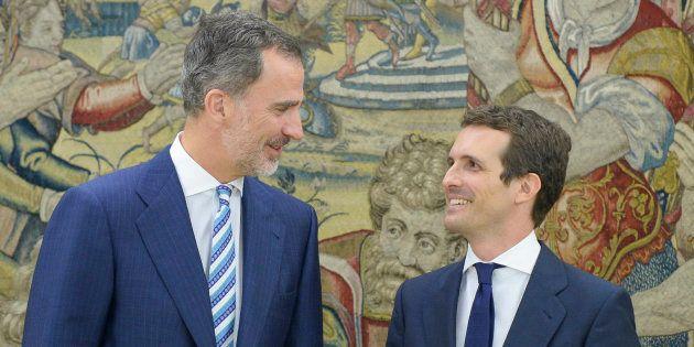 El rey Felipe VI recibe en audiencia a Pablo Casado, nuevo presidente del PP, en el Palacio de la