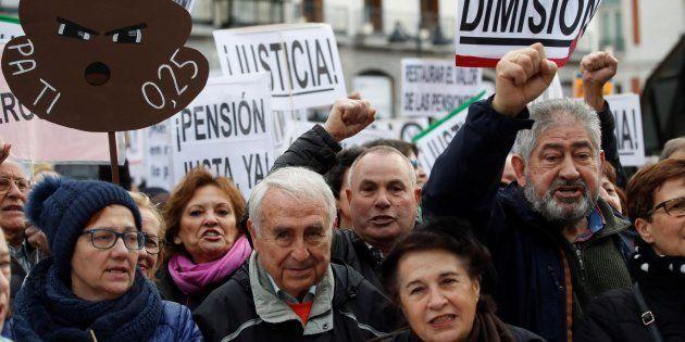 Manifestación convocada por la Coordinadora Estatal por la Defensa del Sistema Público de