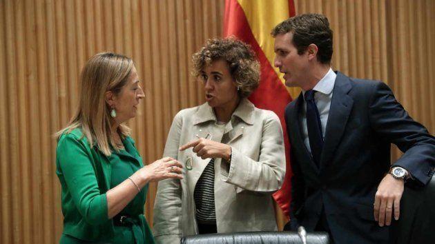 Ana Pastor, Dolors Montserrat y Pablo Casado, en una imagen de