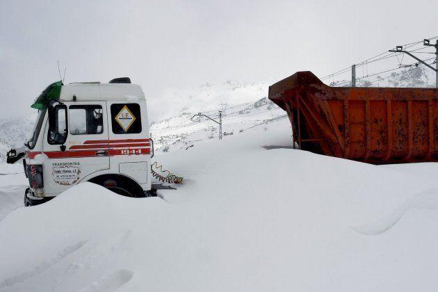 El norte de la provincia de León, afectado por el temporal de nieve y