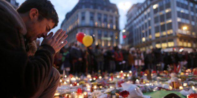 La plaza de la Bolsa, en Bruselas, transformada en memorial, el 23 de marzo de