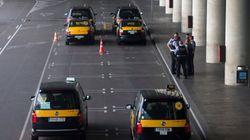 Marcha lenta de taxistas por la Ronda Litoral de Barcelona en la segunda jornada de la
