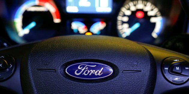 Imagen de archivo de un volante de un coche de la marca