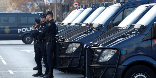 Un grupo de policías, el pasado 9 de diciembre, en Madrid, durante la celebración de la final de la Copa