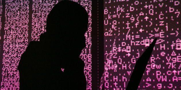 Tras los pasos del mayor robo virtual de la historia: así se blanquean 400 millones de