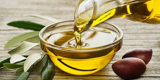 El bulo sobre el aceite de oliva que ha corrido como la pólvora en Reino Unido (y se está extendiendo...