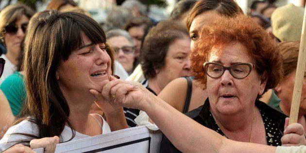 Marianela Olmedo, exmujer y madre de los asesinados, y María Espinosa, madre y abuela de los mismos,...